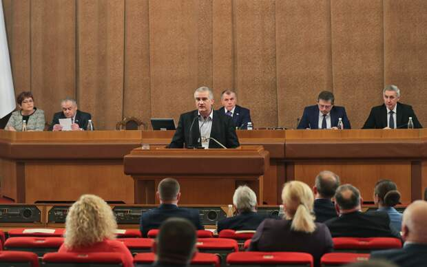 Эксперты ФоРГО об обнулении президентских сроков и коммунистических голосов