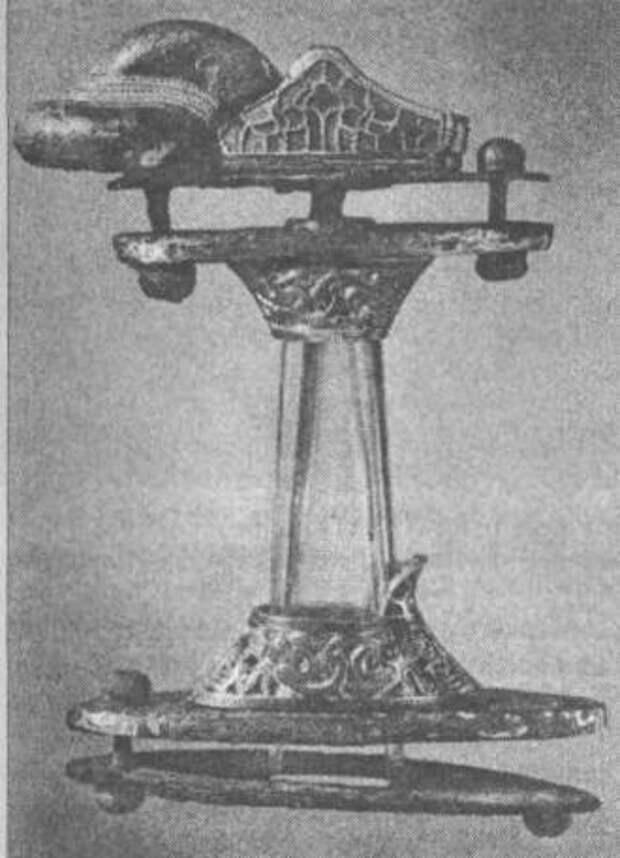 Рис. 28. Рукоять меча из Валльстенарум