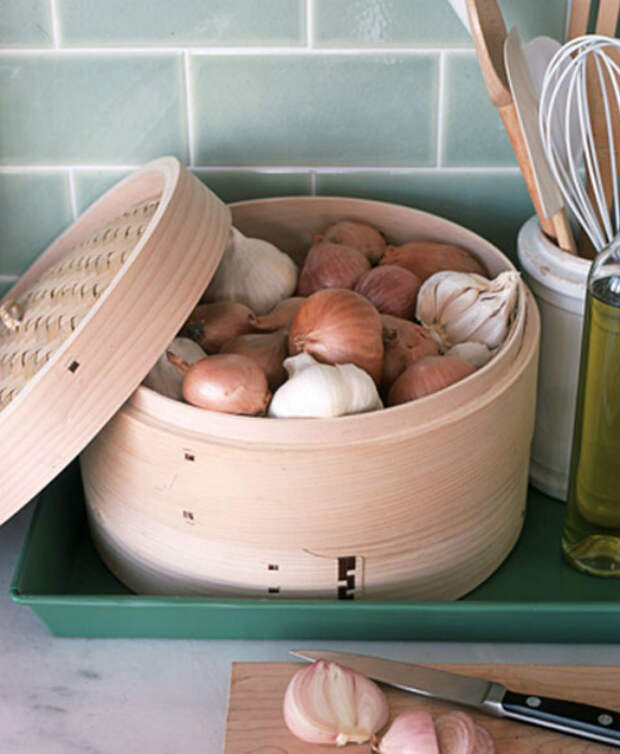 Место для хранения лука и чеснока. | Фото: Bgcrb.ru.