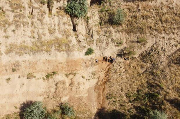 Географы МГУ исследуют стоянку раннего палеолита в Таджикистане