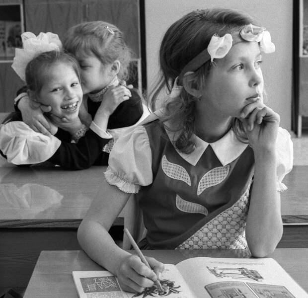 5 вещей, которые были запрещены в советской школе
