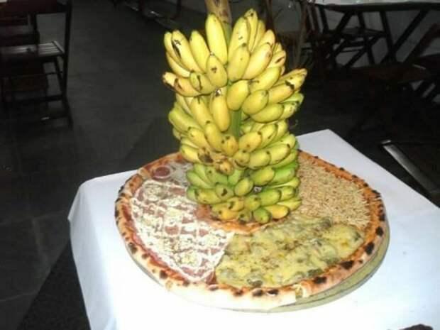 пицца с бананами