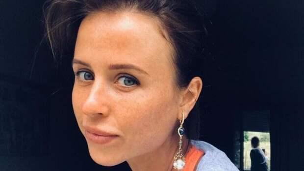 """Звезда """"Папиных дочек"""" Мирослава Карпович заявила, что счастлива в отношениях с любимым"""