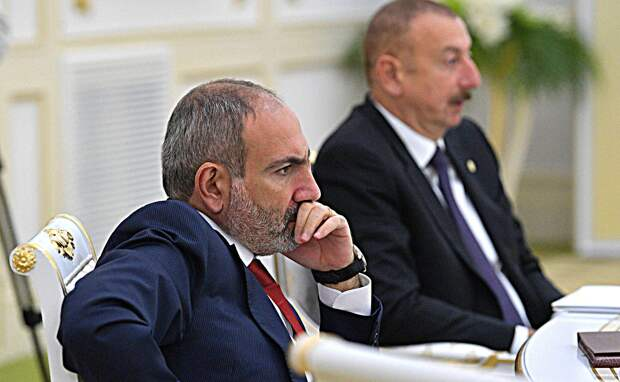 Алиев и Пашинян впервые с начала конфликта появились вместе