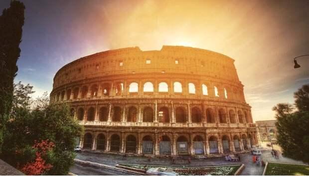 Итальянский журналист: Помощь идёт из России, Китая и Кубы, а политики кланяются ЕС