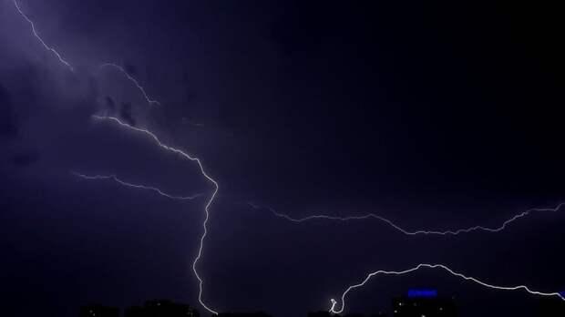 Молния ударила в группу туристов на западе Украины
