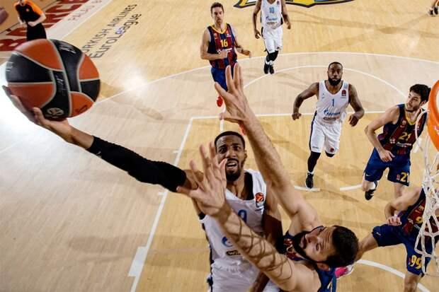 «Зенит» обыграл выигравшую регулярный сезон «Барселону» в плей-офф Евролиги