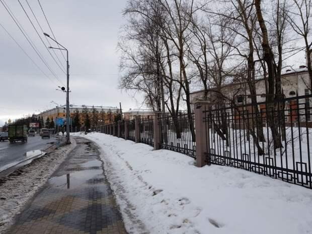 Архангельск: деревянная крепость скрыта под оградой парка