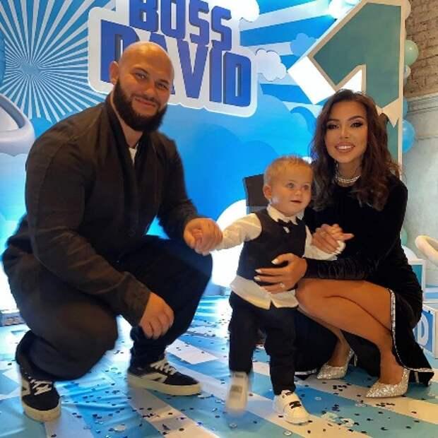 Оксана Самойлова и Джиган отметили первый день рождения сына