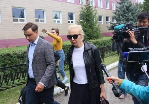 Российские медики благодарности от семьи Навального не дождались