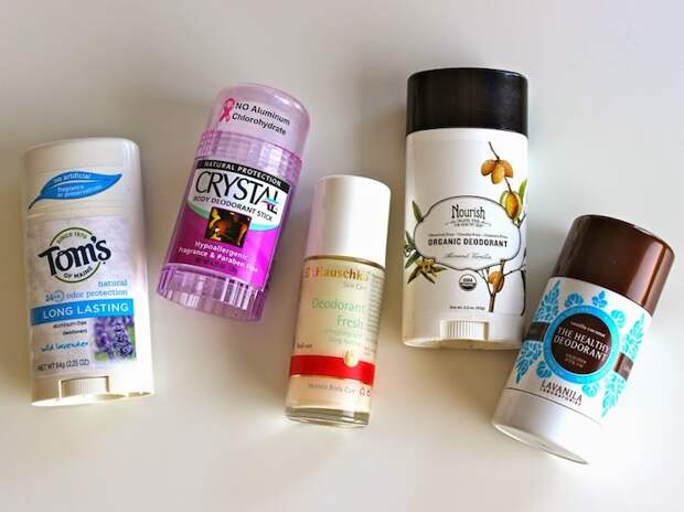 Натуральные дезодоранты без алюминия могут стать хорошей альтернативой.