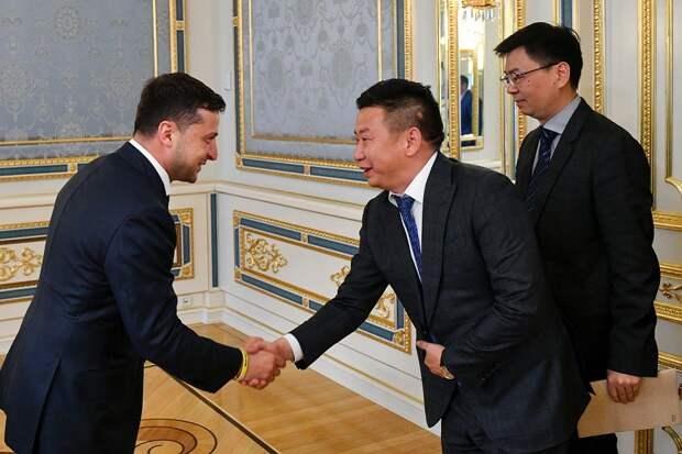 Легендарные украинские щи удостоились похвалы посла Китая в Киеве
