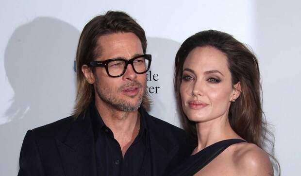 Как Джоли относится к роману Питта с ее копией