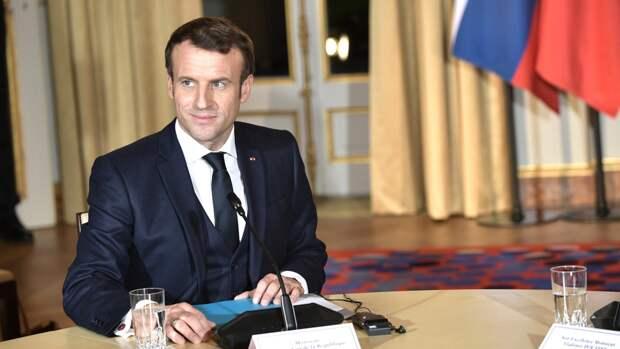 «Путин не сдает интересы страны»: французы раскритиковали речь Макрона о ценностях