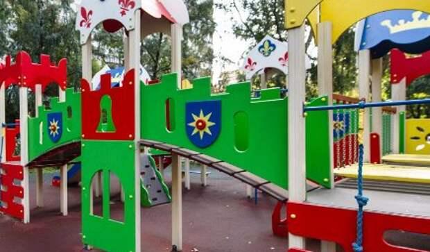 Ночной ремонт детской площадки возмутил жителей улицы Маршала Катукова