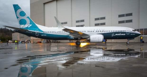 В США начали проверку Boeing из-за последних моделей 737-х