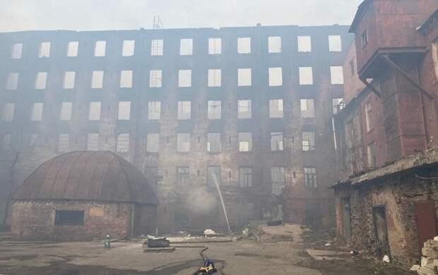 Смольный поставил ультиматум. Здание «Невской мануфактуры» должны восстановить за четыре года