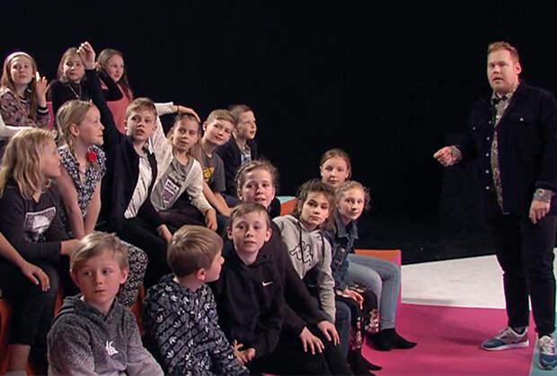 «О господи, они объединили наготу и детей!» Герои телешоу раздеваются и показывают детям гениталии