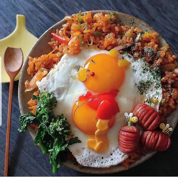 Мама готовит креативные завтраки своему сыну 😍 Как вам такое: интересная подача блюд или слишком долго и все остынет? 🙄