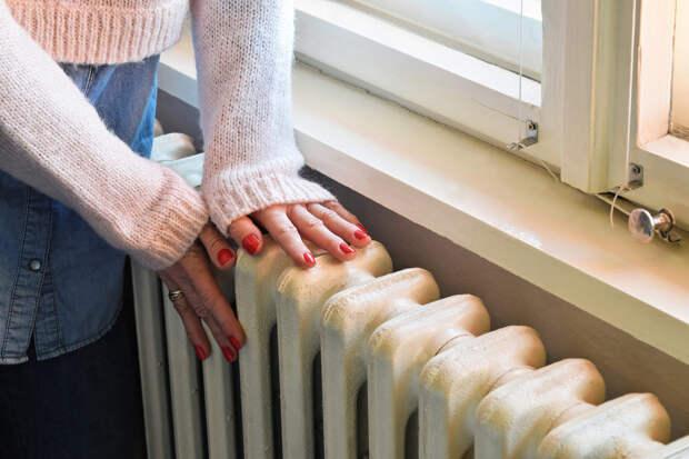 В Красноярске начали работу горячие линии по вопросам подключения отопления