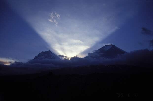 Извержение высочайшего из действующих вулканов Евразии началось на Камчатке