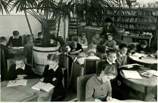Чем занимались советские дети в свободное время