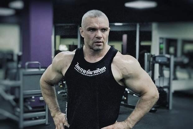 Раскрыта причина кровавого боя актера Епифанцева и режиссера в баре