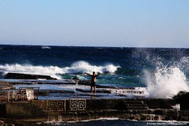 В Крыму продолжается купальный сезон (ФОТО, ВИДЕО)