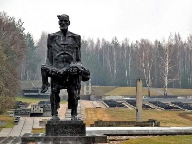 Памятник в Хатыни