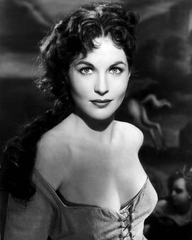 Французская актриса Ивонн Фюрно.