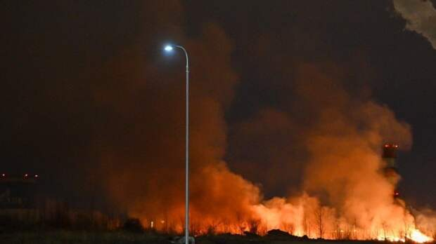 Завод «Синтез-Каучук» горит в Стерлитамаке