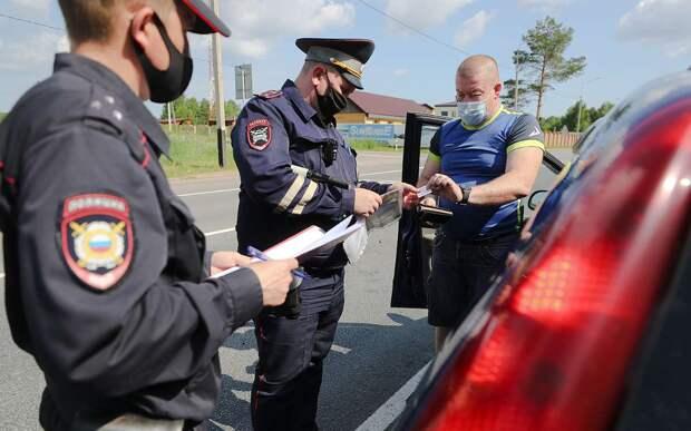 Инспектор ГИБДД просит выйти из машины. Я могу отказаться?