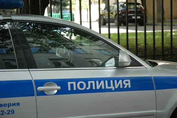 В Приморье начали проверку из-за мужчины с бензопилой в кафе