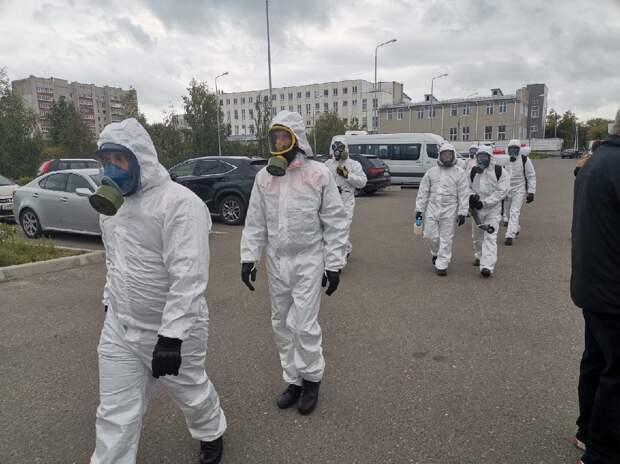 Врачи на грани, очереди везде: Правда о COVID в России, которую не принято показывать