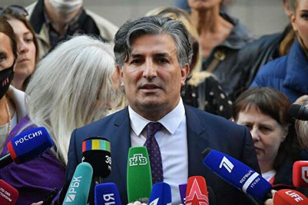 «Чуть-чуть потерпите ивсепоймете»: Пашаев пообещал новости