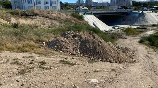 Свалку грунта обнаружили в районе Карантинной бухты