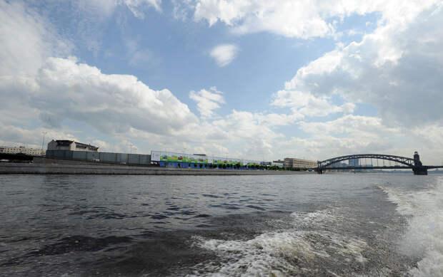 DSC 49381 Нефасадный Петербург: вид с воды