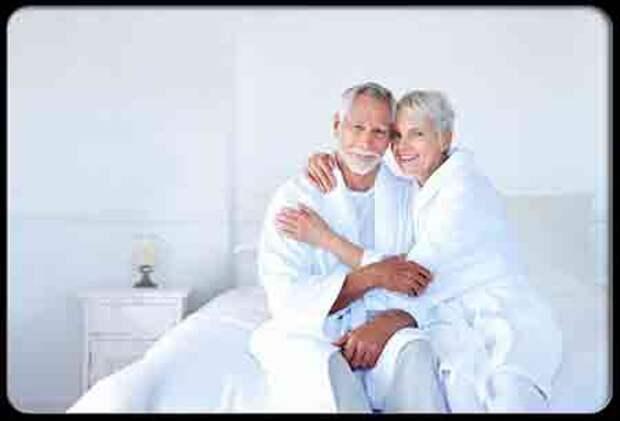 Сексуальные отношения у пожилых снижают риск инфаркта и инсульта