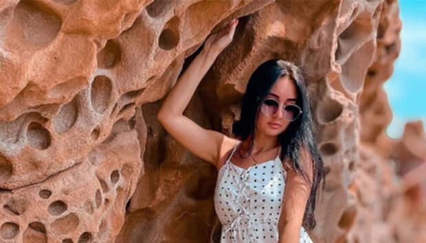Невероятные «Сырные» скалы – чудо природы на Крымском побережье