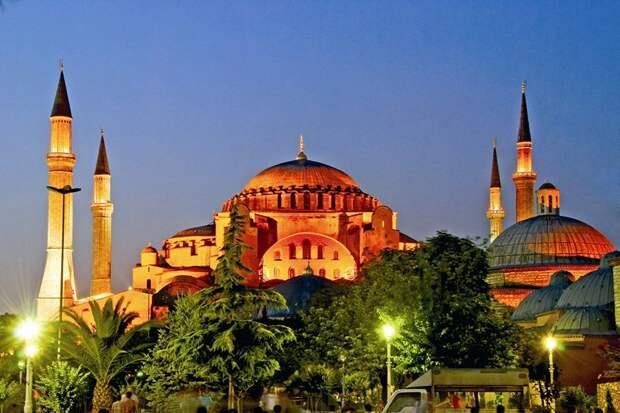 Istanbul01 10 достопримечательностей Стамбула, с которыми вы обязаны познакомиться