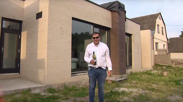 Страна.ua: Саакашвили уже строит многоэтажный особняк под Киевом