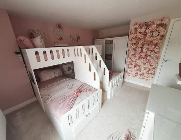 Детская трехместная кровать для любимых детей