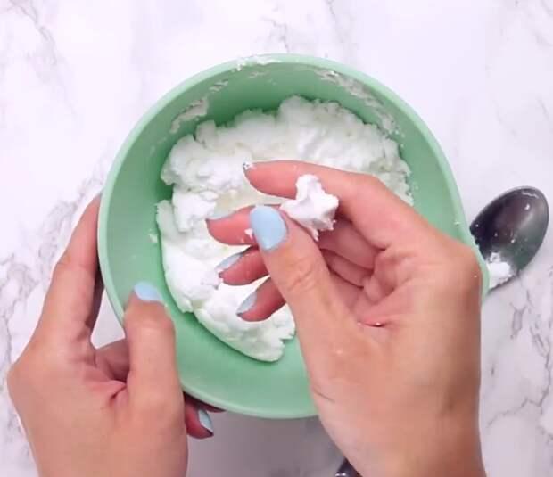 Подруга научила делать «туалетные бомбочки», теперь уборка в ванной комнате занимает считанные минуты