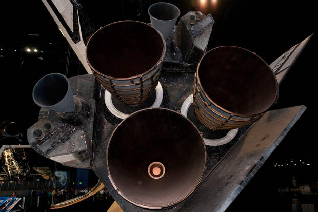 Космический мусор собирается в «астероиды» и может угрожать Земле. Как с ним бороться?