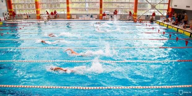 Соревнования по плаванию проведут среди школьников в бассейне на Трофимова