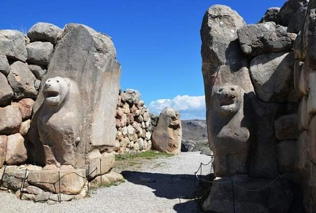 Ворота столицы Хеттского царства города Хаттуса / Фото: press.princeton.edu