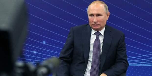 Путин поручил разобраться с пенсиями опекунов