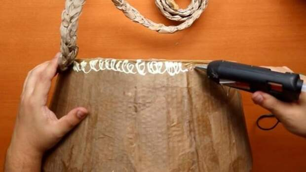 Оригинальная корзина из крафтовой бумаги и картона