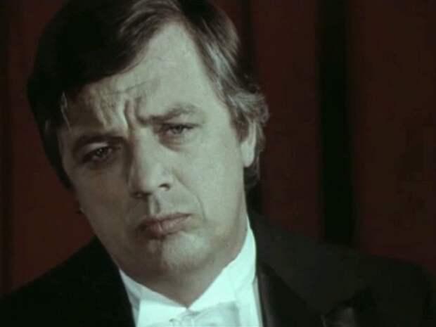 Раймонд Паулс в фильме *Театр*, 1978 | Фото: kino-teatr.ru