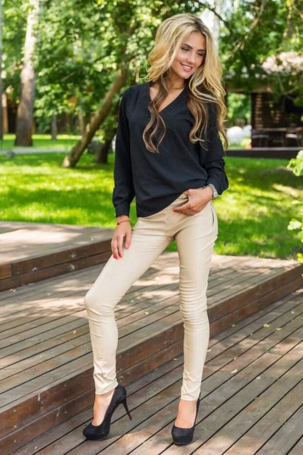 Как носить брюки и выглядеть женственно: советы
